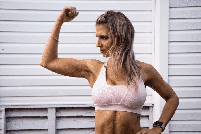 筋肉の女性