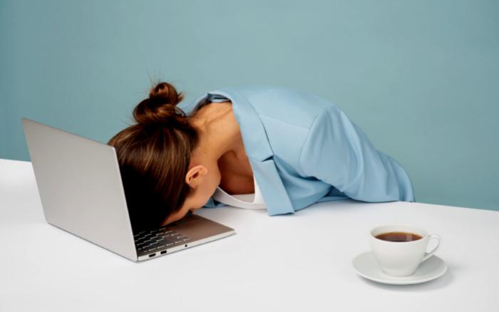 睡眠不足な女性